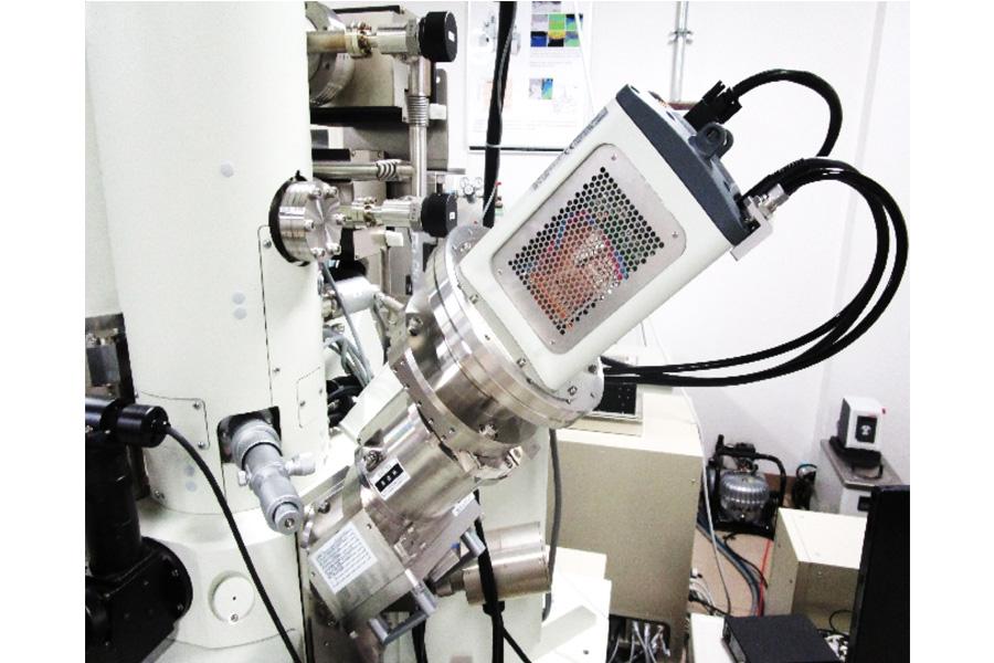 電界放出型電子プローブマイクロアナライザ(FE-EPMA)