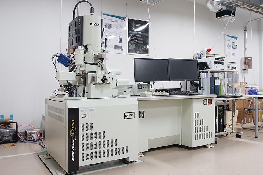 電界放出型走査電子顕微鏡システム(FE-SEM)