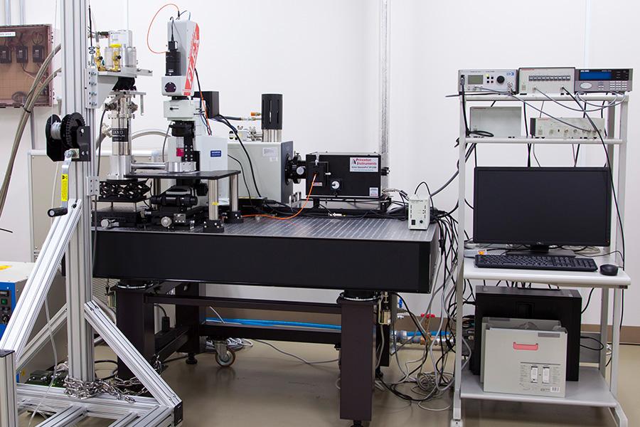 顕微可視赤外分光システム