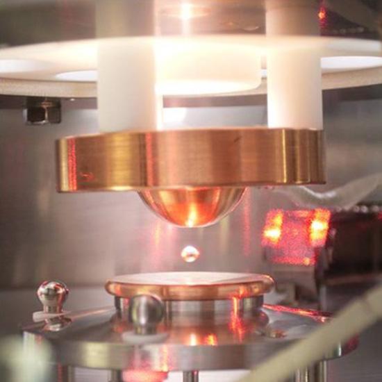 高性能リチウムイオン電池電極材料の開発